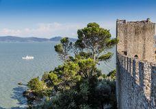 castle-castiglione-del-lago-trasimeno-italy-view-40222734